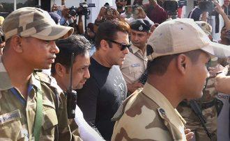 कृष्णसार शिकार गरेको आरोपमा अभिनेता सलमान खान ५ बर्ष जेल तथा १० हजार जरिवाना |