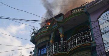 बेनीको एक घरमा आगोलागी हुँदा १३ लाख बराबरको क्षति |