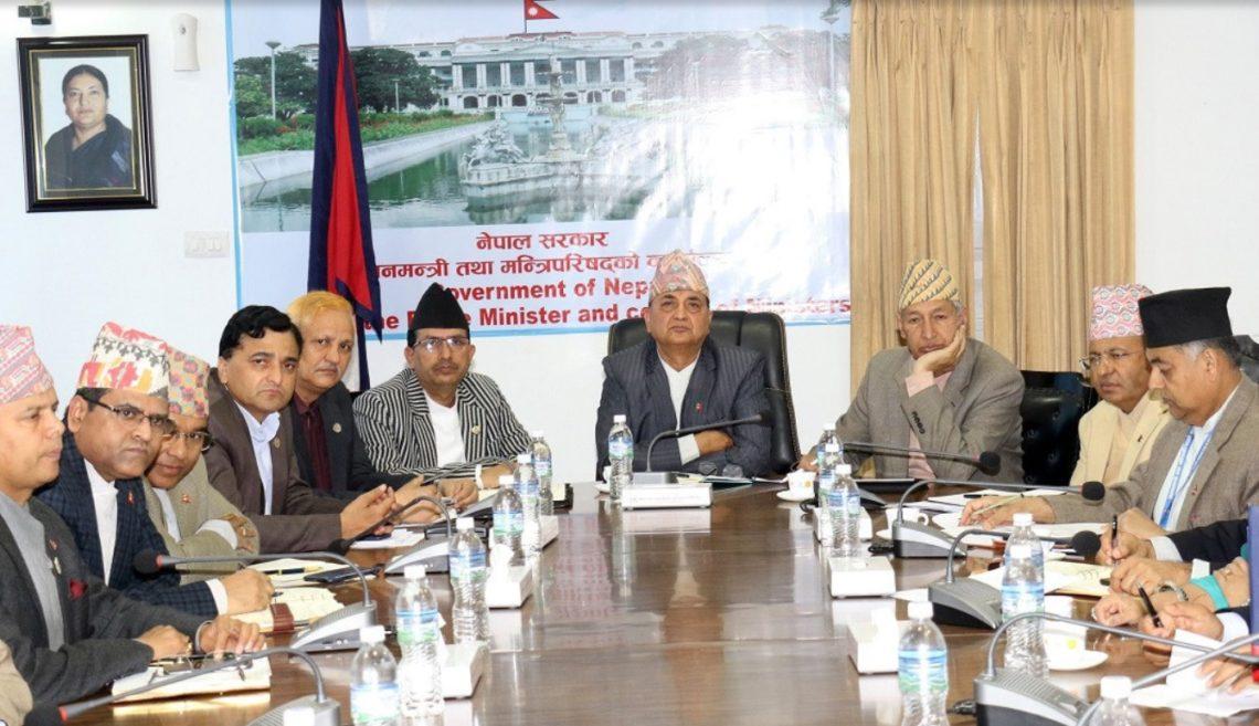 संक्रमितहरुको संख्या बढ्दै गए पछी नेपाल सरकारको  एक हप्ता लकडाउन थप्ने तयारी ।