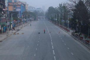नेपाल सरकारले  एक हप्ता लकडाउन लम्ब्याउने तयारी ।