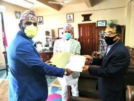 नेपाली जनसम्पर्क समिति युएईले परराष्ट्रमन्त्रीलाई ज्ञापनपत्र बुझाए ।