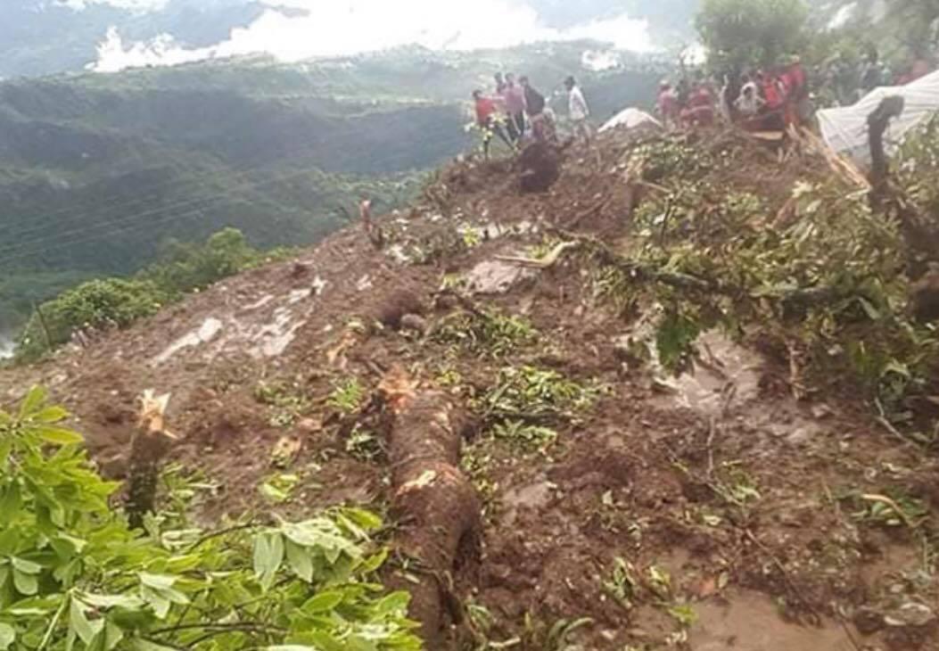 पर्वतमा पहिरोका कारण ६ जनाको मृत्यु ,३ जना बेपत्ता।