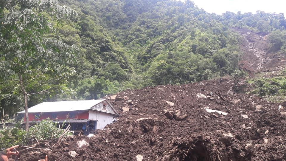 लम्जुङ्गमा पहिरो खसेर १८ घर पुरियो ,८० घर बिस्थापित।