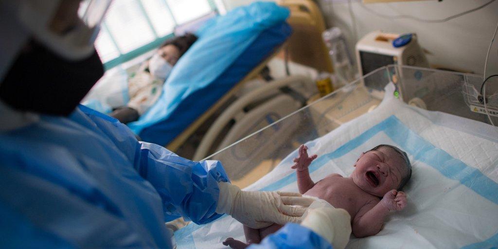 कोरोना संक्रमित महिलाले स्वस्थ शिशु जन्माईन